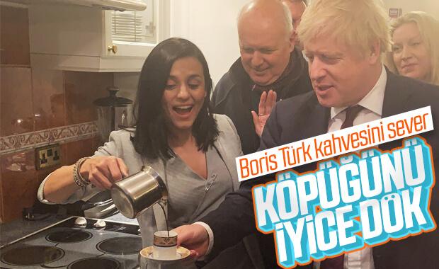 Şarkıcı Eylem ve Boris Johnson'dan kahve keyfi