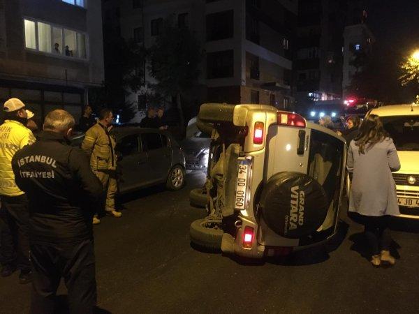 Kadıköy'de eşinin park etmesini beğenmeyip kaza yaptı