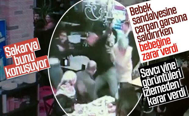 Sakarya'da bebek sandalyesine çarpan garsonu darbettiler