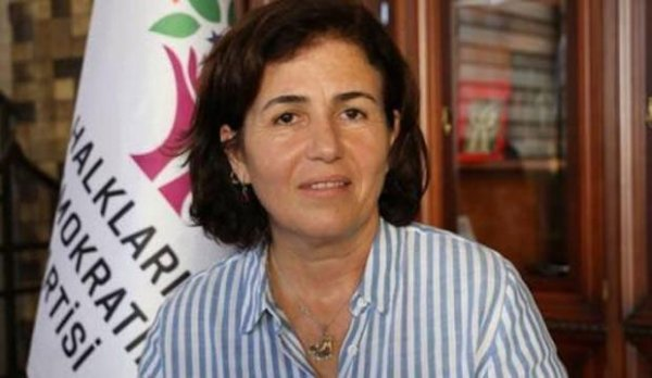 Teröristlerin cenazesine katılan HDP'li başkan cezaevinde