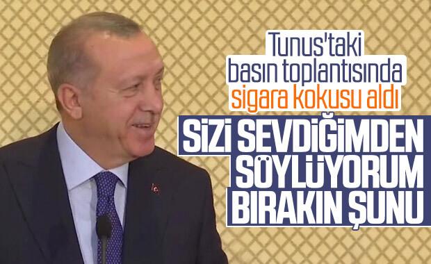 Erdoğan'dan Tunuslulara sigara eleştirisi