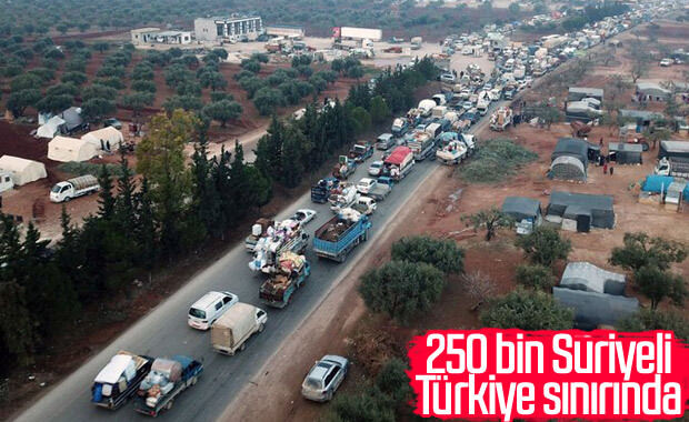 250 bin İdlibli Türkiye sınırında