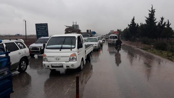 İdlib'den 27 bin kişi daha sınıra geldi