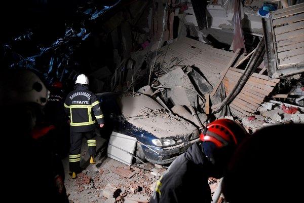 Elazığ'daki deprem sonrası ölü sayısı: 41