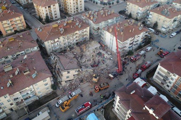 Elazığ depreminde ihmalin fotoğrafı