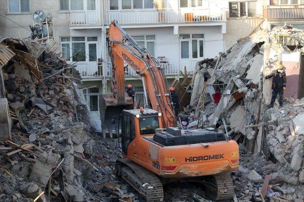 Depremde evi yıkılanlara para yardımı yapılacak