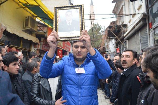 İdlib şehitleri uğurlanıyor