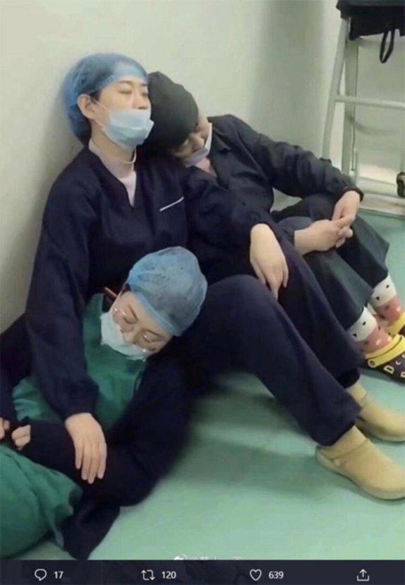 Çinli doktorların mücadelesi devam ediyor