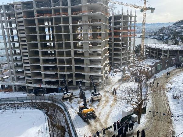 Ordu'da sahil kenarına yapılan bina yıkılıyor