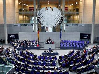 Almanya'da 13,5 milyar euroluk fazla bütçe sorun çıkardı #1