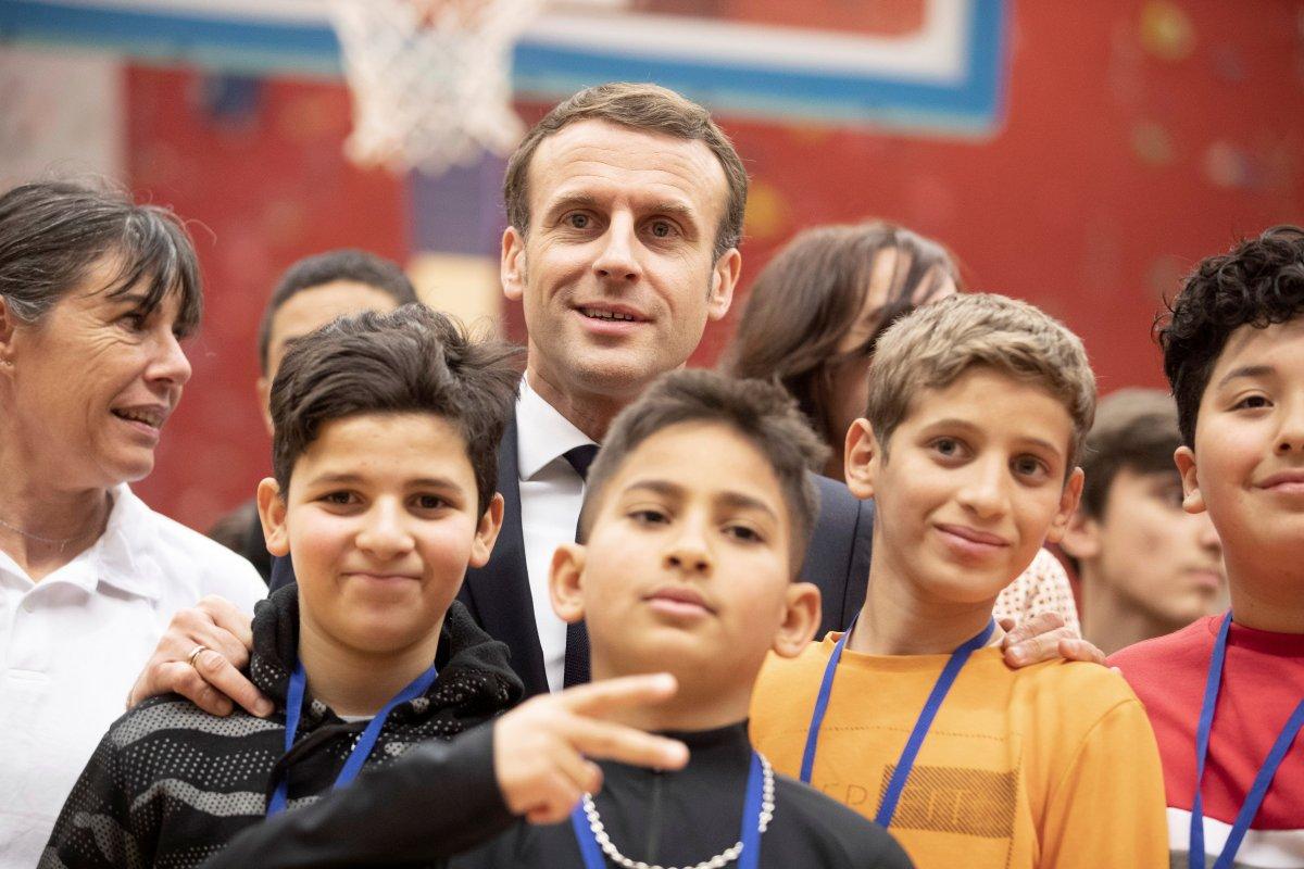 Macron: Türkçe dahil yabancı dil derslerini kaldıracağız