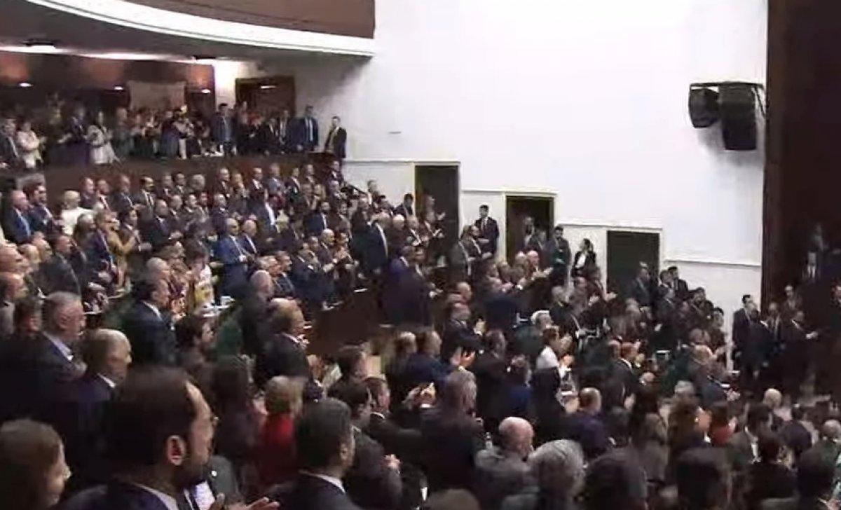 Erdoğan'a AK Parti grup toplantısında doğum günü sürprizi