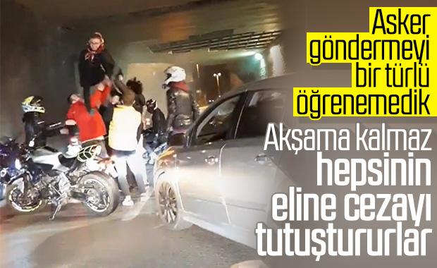 İstanbul'da asker eğlencesi düzenleyen grup yolu kapattı