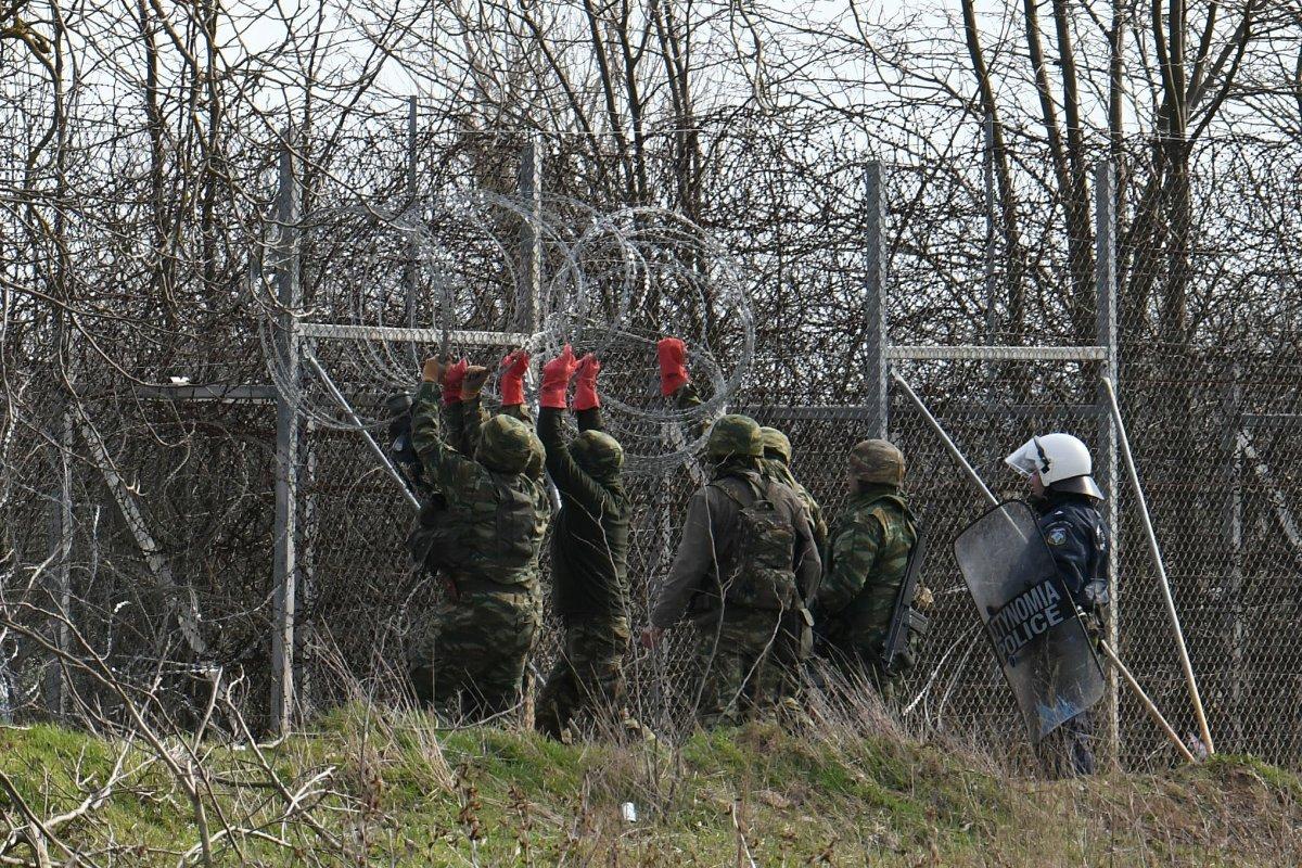 Alman basını: AB göçmen girişini engellemeli