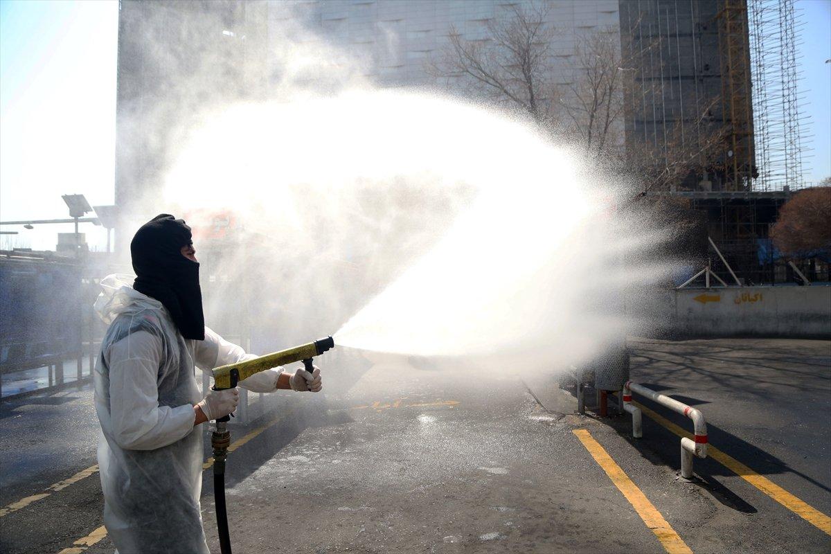 İran'da koronavirüs önlemleri