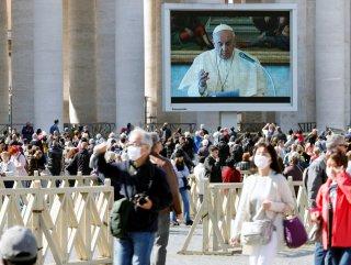 Papa, pazar duasını canlı yayın ile gerçekleştirdi