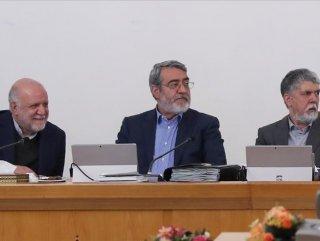 İranlı bakan koronayı atlattı