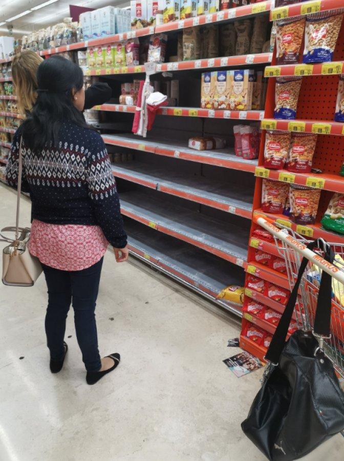 İstanbul'da halk, marketlere akın etti