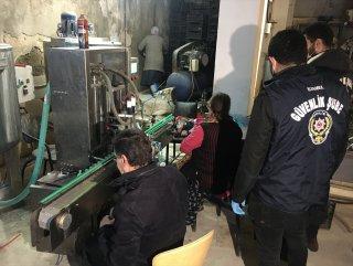 İstanbul'da sahte dezenfektan üreten iş yerine baskın