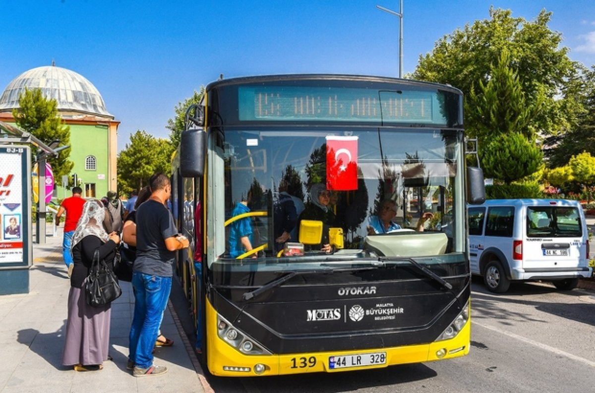 Konya'da 65 yaş üstü ücretsiz seyahat askıya alındı