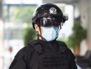 Çinli polisler, yapay zekalı termal tarama kaskları kullanıyor