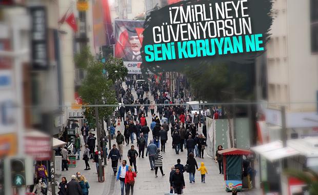 İzmir'de salgına rağmen sokaklar boş kalmadı
