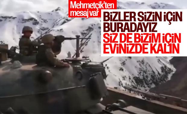 Mehmetçik'ten evde kal çağrısı