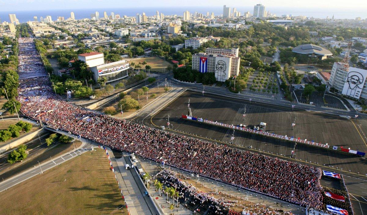 Küba'da 1 Mayıs kutlamaları iptal edildi
