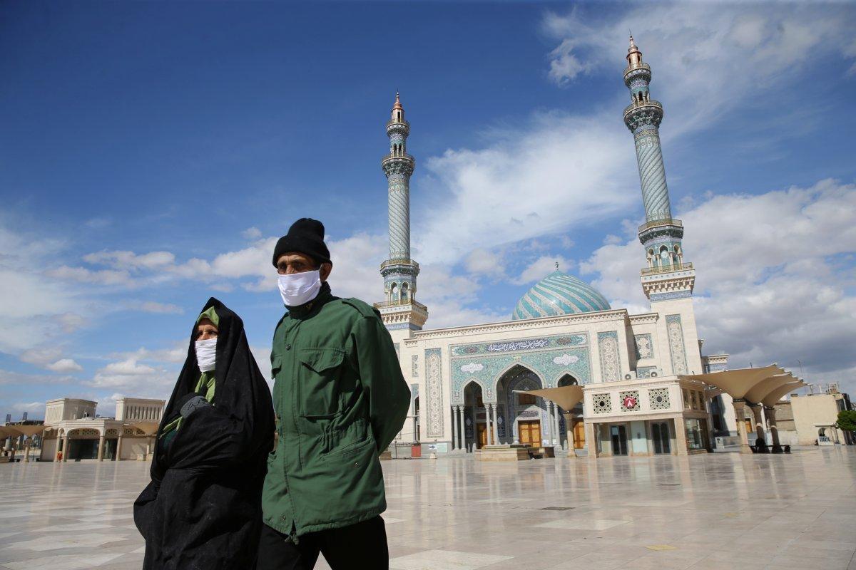 İran'dan Çin'e: Vaka sayılarıyla dünyayı yanılttınız
