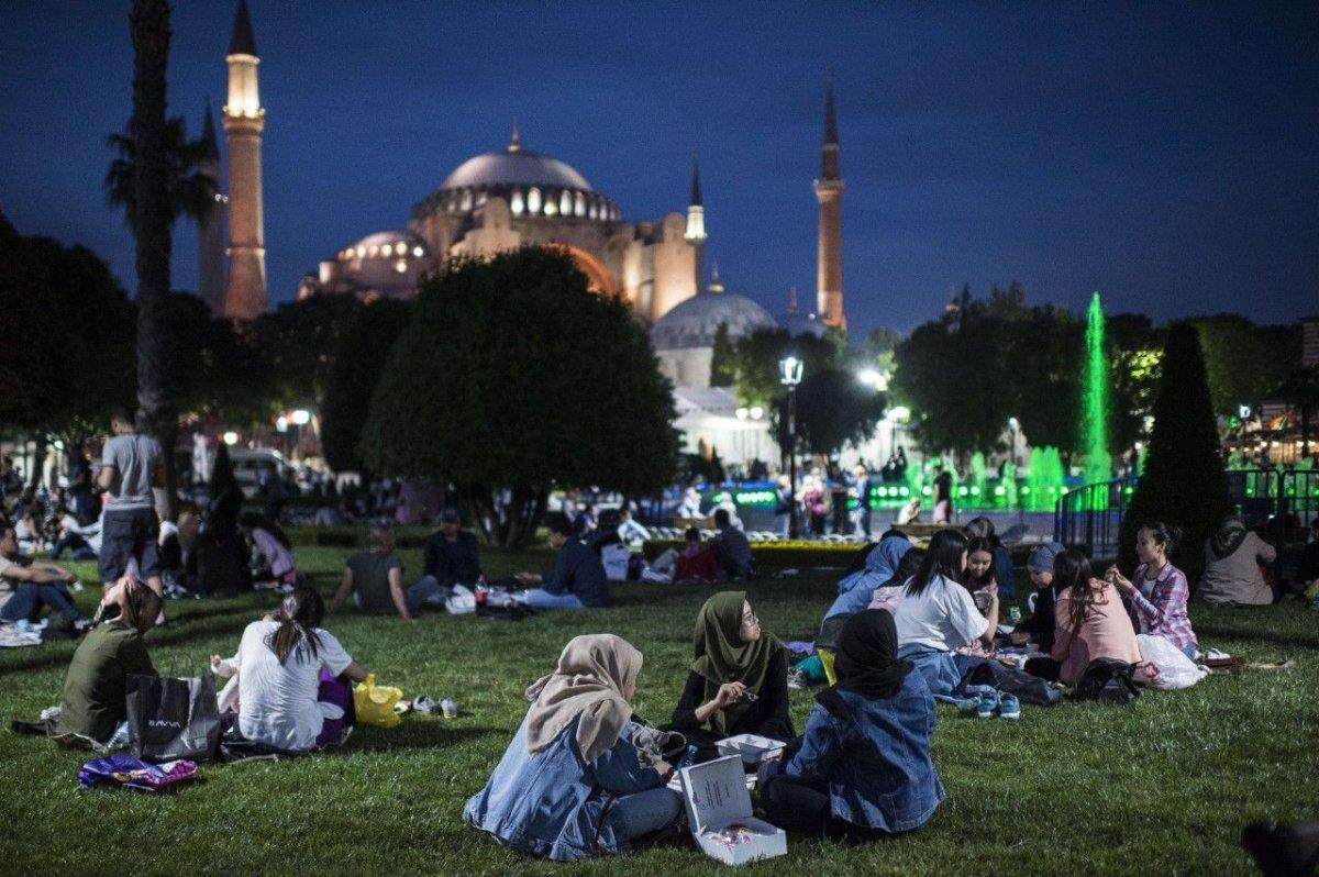 Diyanet, Ramazan tartışmasına noktayı koydu