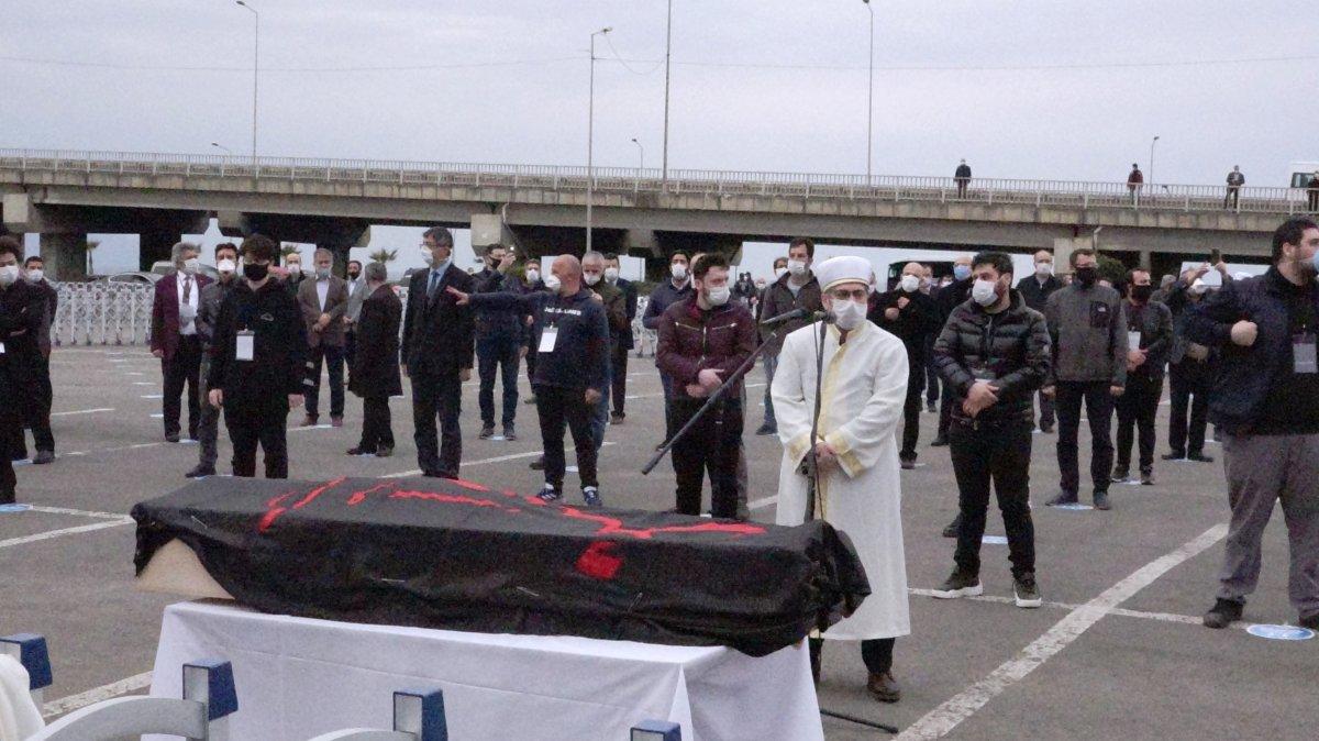 Haydar Baş'ın cenaze töreninde izdiham