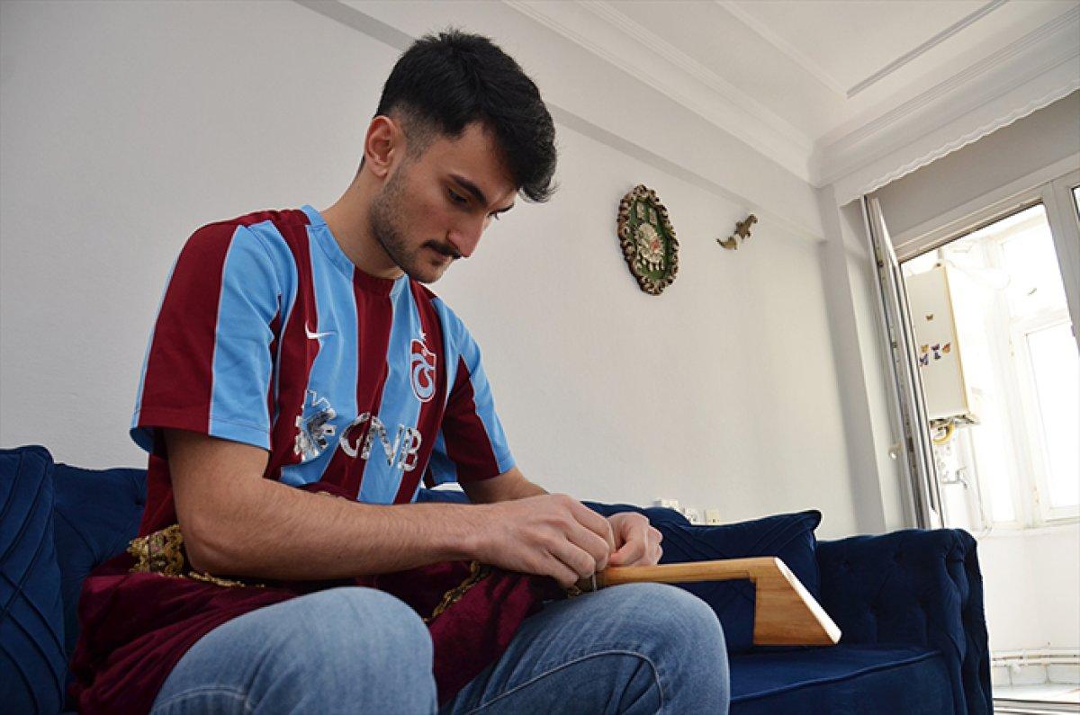 İstanbul'da balkondan komşuları çaldı