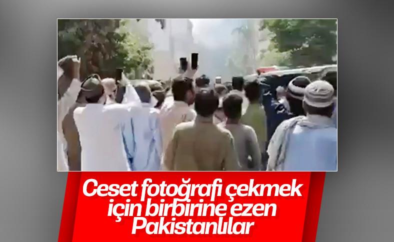 Kaza yerinden görüntü paylaşmaya çalışan Pakistanlılar