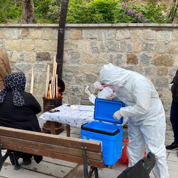 Rize'nin köylerinde koronavirüs testi