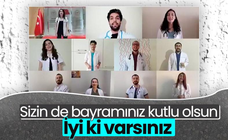 Sağlık çalışanları, Hayat Bayram Olsa şarkısını söyledi