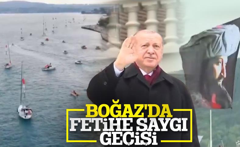 İstanbul Boğazı'nda fetih için saygı geçişi