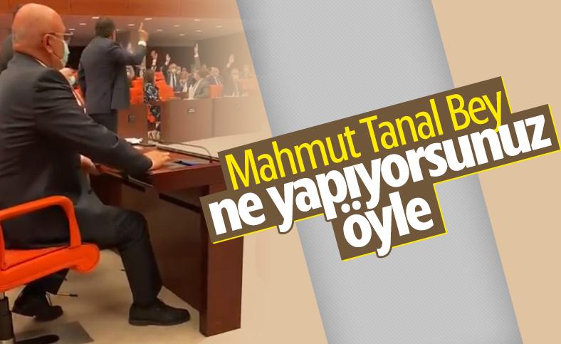 Mahmut Tanal'ın amaçsız eylemi