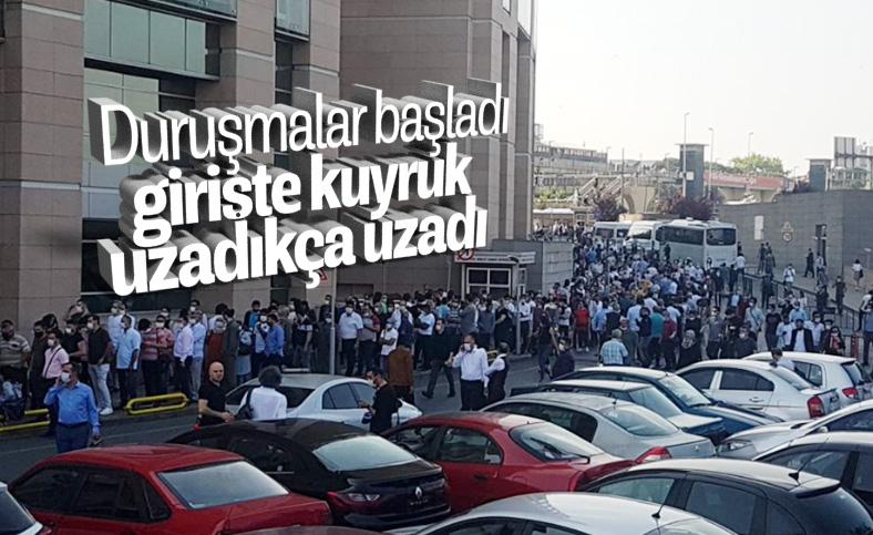 İstanbul Adalet Sarayı mesaiye başladı