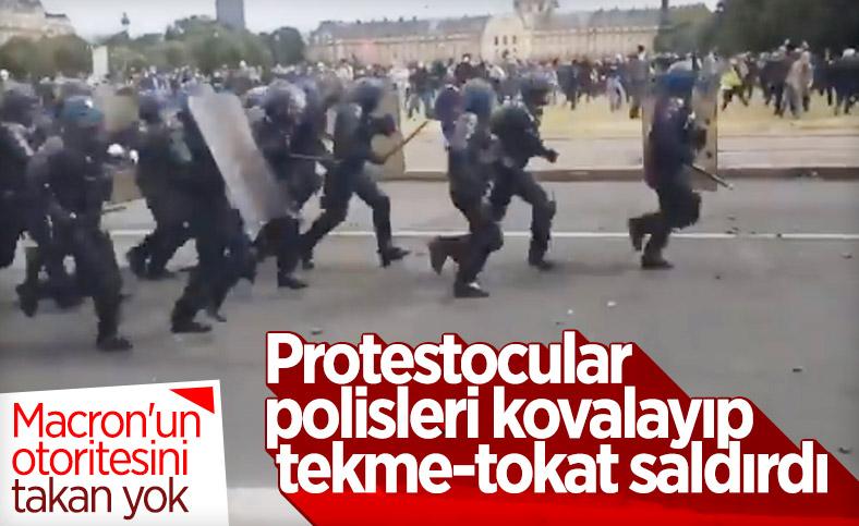 Paris'te gösteriler sırasında bir polis darbedildi