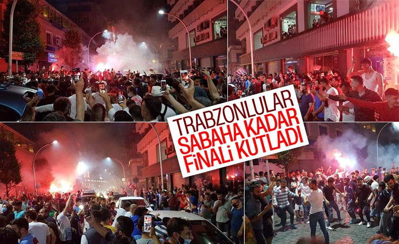 Trabzonsporlular sokağa döküldü