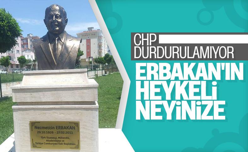 Tekirdağ'daki Erbakan'ın heykeli olay oldu