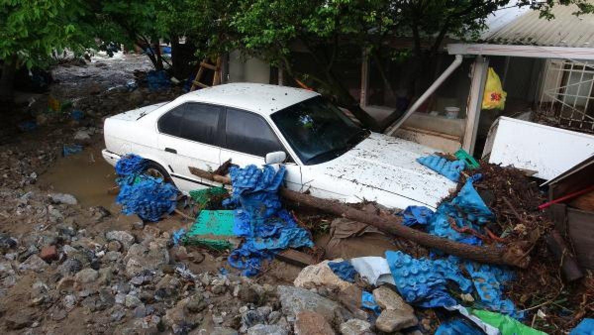 Bursa'da sel felaketi: 5 kişi hayatını kaybetti #10