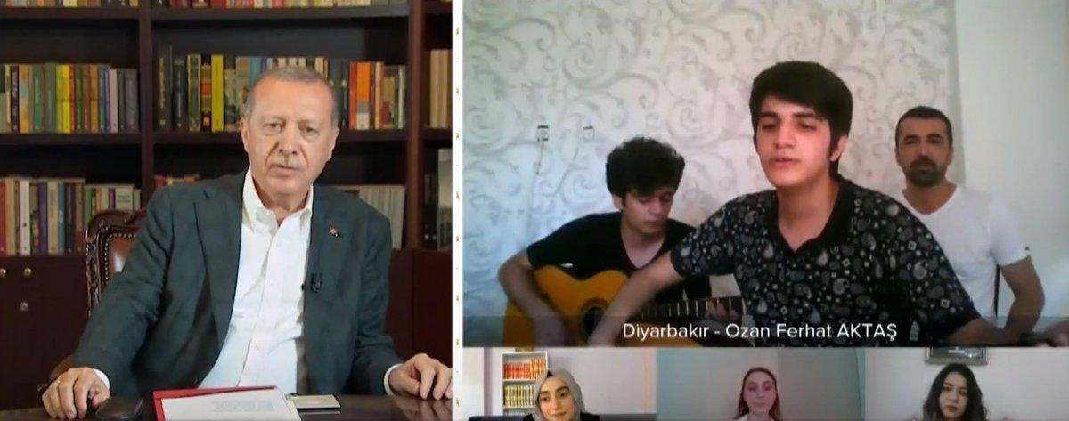 Cumhurbaşkanı Erdoğan, YKS öğrencisi ile türkü söyledi #2
