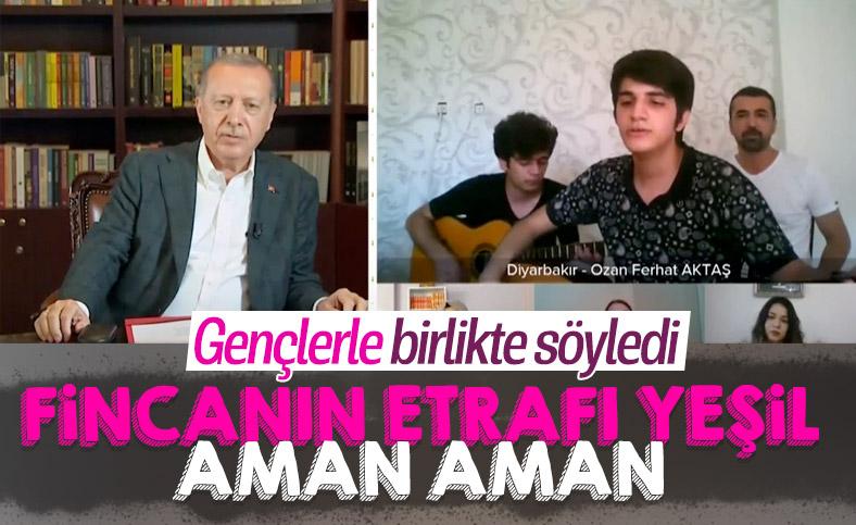 Cumhurbaşkanı Erdoğan, YKS öğrencisi ile türkü söyledi