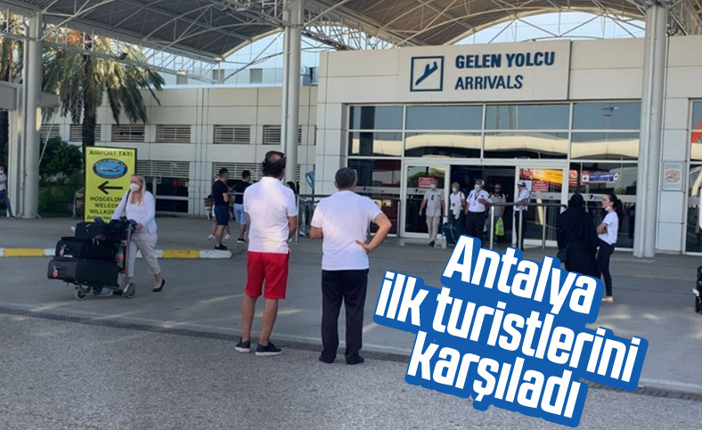 Antalya'ya ilk turistler geldi