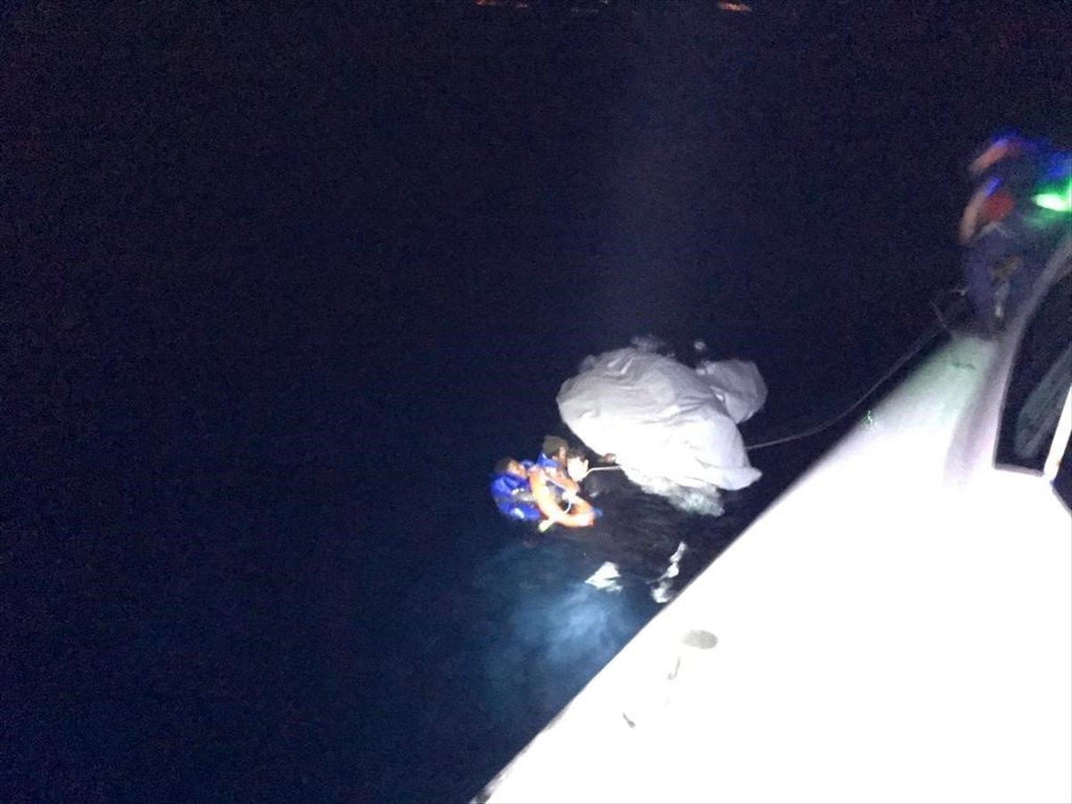 Ayvalık'ta sığınmacıları taşıyan bot battı #3