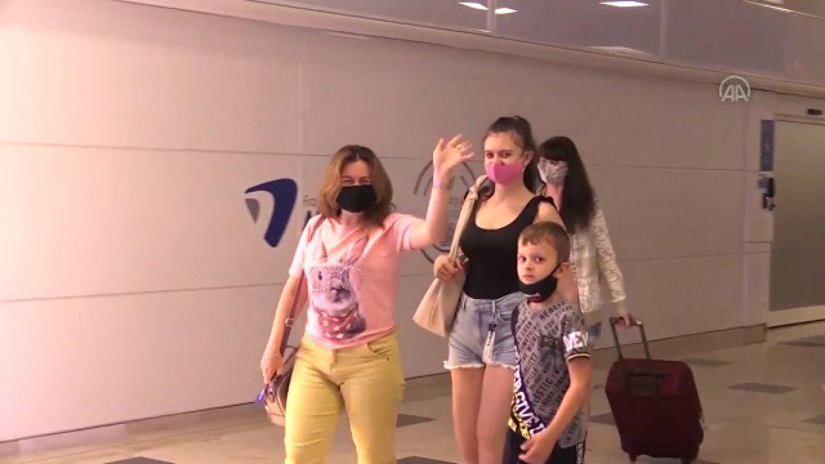 Ukraynalı turistler Antalya'ya geldi #3