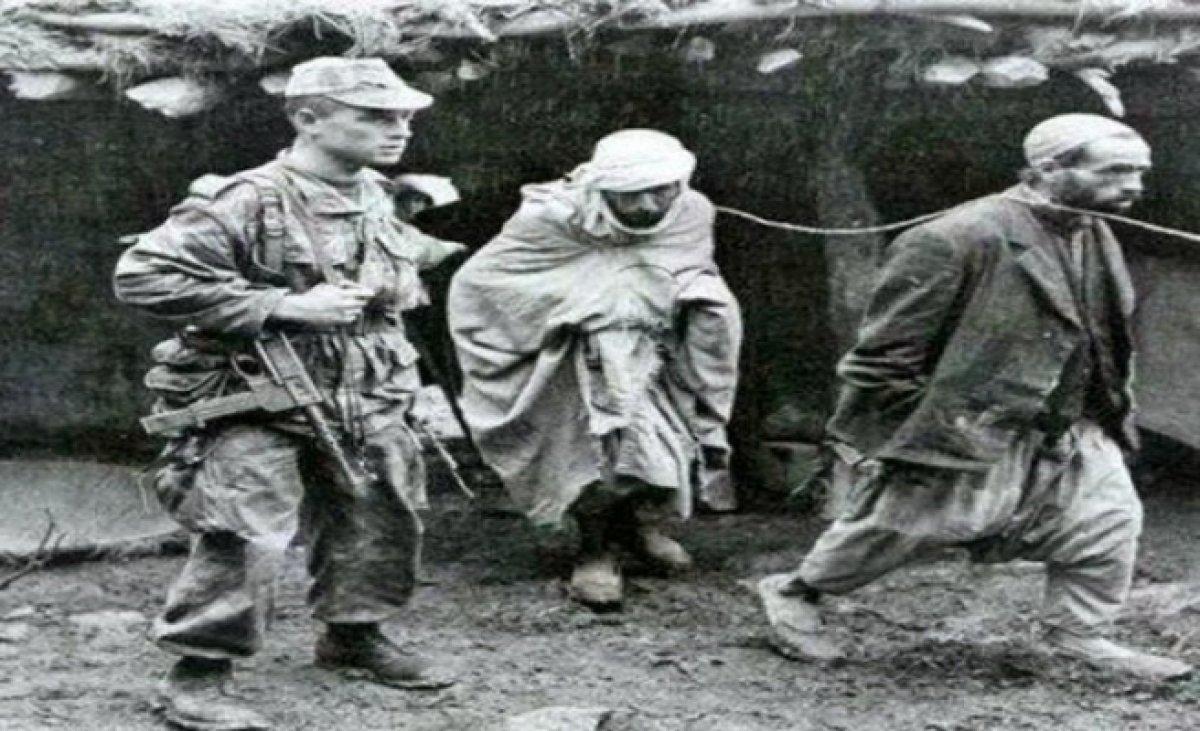 Fransa 170 yıl sonra 24 naaşı Cezayir'e teslim etti #7