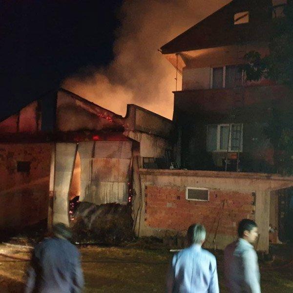 Kastamonu'da 8 yıl sonra, yine evini yangında kaybetti #1