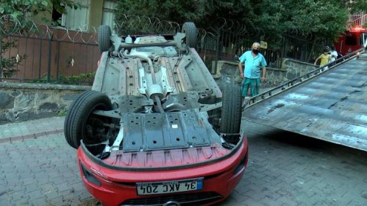 Sultangazi'de aracın üstüne çıkan otomobil kamerada #5